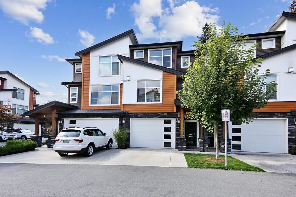 Main Photo: 6 46570 MACKEN Avenue in Chilliwack: Chilliwack N Yale-Well Townhouse for sale : MLS®# R2620743