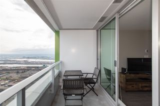"""Photo 14: 3208 488 SW MARINE Drive in Vancouver: Marpole Condo for sale in """"Marine Gateway"""" (Vancouver West)  : MLS®# R2440904"""