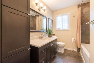Photo 10: 561 RIVERSIDE DRIVE in North Vancouver: Seymour NV House for sale : MLS®# R2212745
