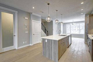 Photo 10: 632 17 Avenue NW in Calgary: Mount Pleasant Semi Detached for sale : MLS®# A1058281