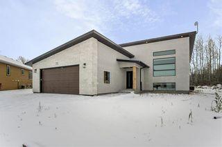 Photo 1: 73 TANGLEWOOD Bay in Kleefeld: R16 Residential for sale : MLS®# 202028421
