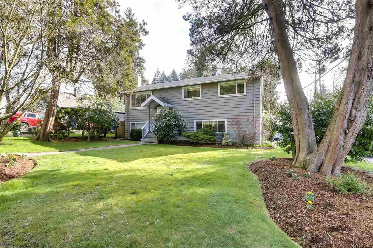 Main Photo: 1906 BANBURY Road in North Vancouver: Deep Cove House for sale : MLS®# R2557805