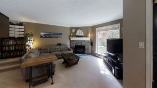 """Photo 24: 10573 HOLLY PARK Lane in Surrey: Guildford Townhouse for sale in """"Holly Park Lane"""" (North Surrey)  : MLS®# R2461825"""