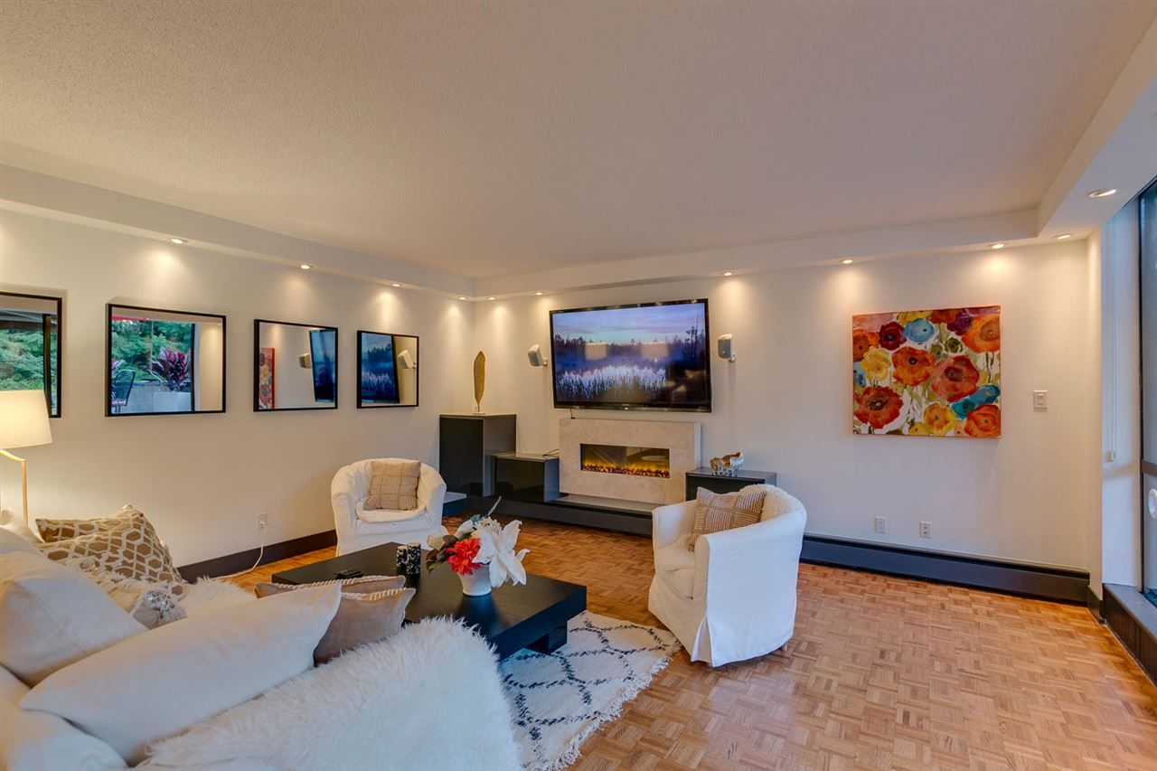 Photo 4: Photos: 108 4900 CARTIER STREET in Vancouver: Shaughnessy Condo for sale (Vancouver West)  : MLS®# R2111435