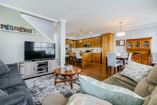 """Photo 5: 32 7059 210 Street in Langley: Willoughby Heights Townhouse for sale in """"ALDER"""" : MLS®# R2493055"""