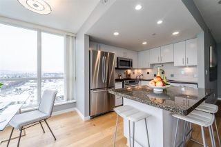 """Photo 4: 1901 120 MILROSS Avenue in Vancouver: Mount Pleasant VE Condo for sale in """"THE BRIGHTON"""" (Vancouver East)  : MLS®# R2341532"""