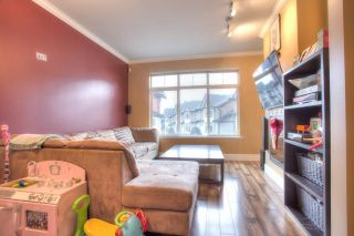 """Photo 7: 27 6299 144 Street in Surrey: Sullivan Station Townhouse for sale in """"Altura"""" : MLS®# R2023805"""