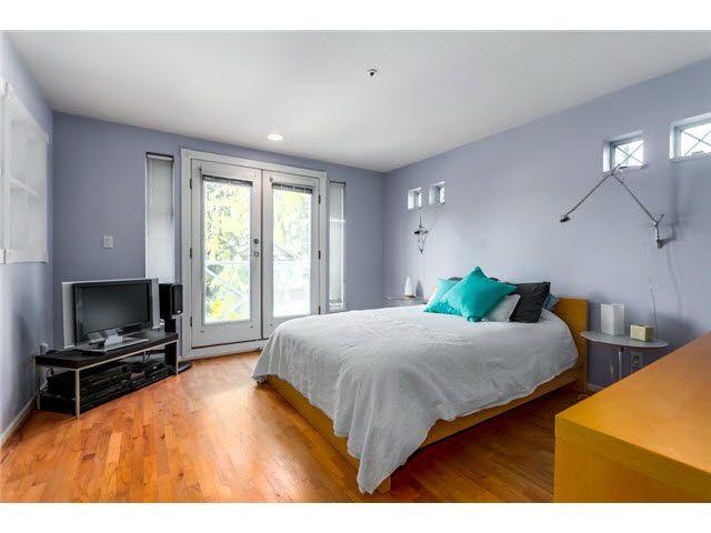 "Photo 8: Photos: 3211 W 6TH Avenue in Vancouver: Kitsilano 1/2 Duplex for sale in ""KITSILANO"" (Vancouver West)  : MLS®# V1091079"