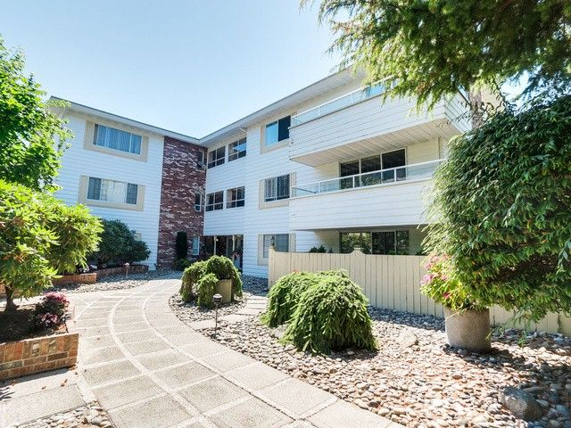 """Photo 2: Photos: 203 15010 ROPER Avenue: White Rock Condo for sale in """"Baycrest"""" (South Surrey White Rock)  : MLS®# F1417713"""