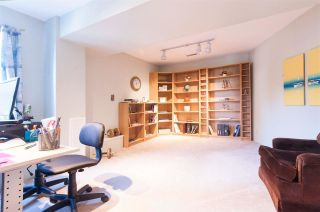 Photo 3: 558 YALE Road in Port Moody: College Park PM House for sale : MLS®# R2587942