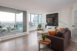 Photo 3: 1604 1500 Howe Street in Vancouver: Yaletown Condo for sale (Vancouver West)  : MLS®# R2419631