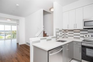 """Photo 4: 305 218 CARNARVON Street in New Westminster: Downtown NW Townhouse for sale in """"Irving Living"""" : MLS®# R2505635"""