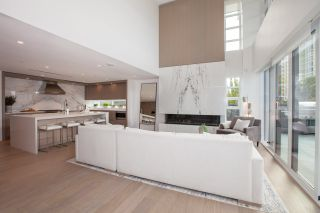 """Photo 5: TH1 2289 BELLEVUE Avenue in West Vancouver: Dundarave Townhouse for sale in """"Bellevue by Cressey"""" : MLS®# R2596483"""