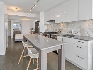 """Photo 7: 605 231 E PENDER Street in Vancouver: Strathcona Condo for sale in """"FRAMEWORK"""" (Vancouver East)  : MLS®# R2525315"""
