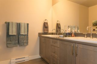 """Photo 15: 38355 SUMMITS VIEW Drive in Squamish: Downtown SQ Townhouse for sale in """"Eaglewind Natures Gate"""" : MLS®# R2157541"""