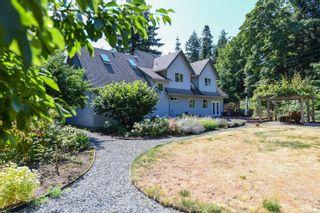 Photo 3: 1025 Vega Rd in : CV Comox Peninsula House for sale (Comox Valley)  : MLS®# 882416