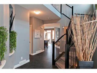 Photo 3: 104 Mahogany Court SE in Calgary: Mahogany House for sale : MLS®# C4059637