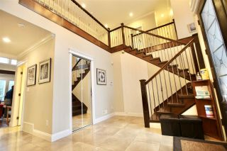Photo 2: 1752 156A Street in Surrey: King George Corridor House for sale (South Surrey White Rock)  : MLS®# R2555564