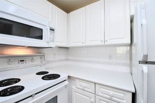 """Photo 3: 203 15111 RUSSELL Avenue: White Rock Condo for sale in """"Pacific Terrace"""" (South Surrey White Rock)  : MLS®# R2102035"""