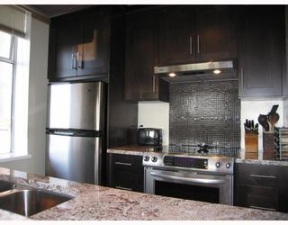 Photo 3: 403 1436 Harwood Street in Vancouver: Condo for sale : MLS®# V747284