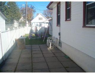 Photo 2: 119 RAVELSTON Avenue West in WINNIPEG: Transcona Single Family Detached for sale (North East Winnipeg)  : MLS®# 2717518