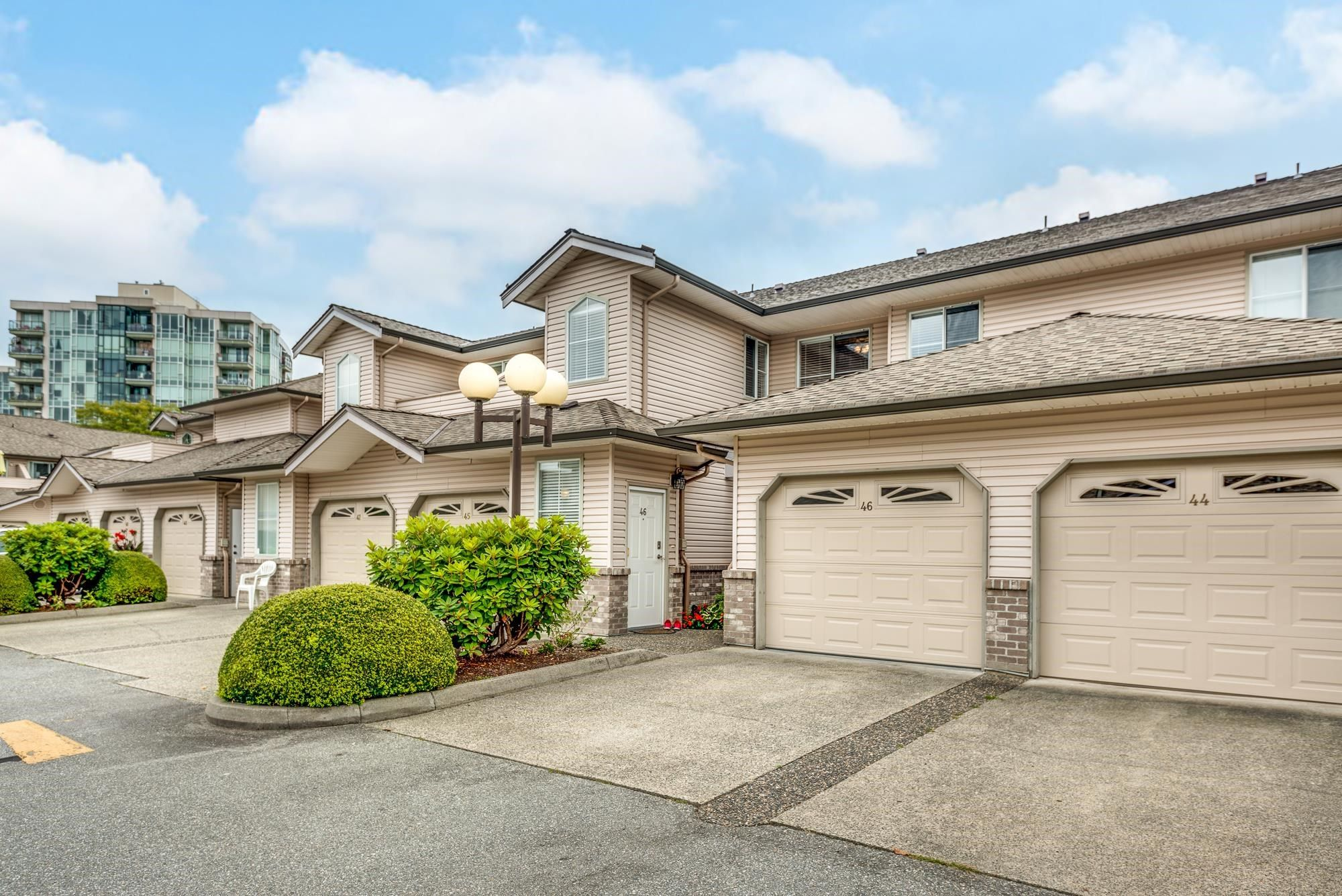"""Main Photo: 46 19060 FORD Road in Pitt Meadows: Central Meadows Townhouse for sale in """"REGENCY COURT"""" : MLS®# R2615895"""