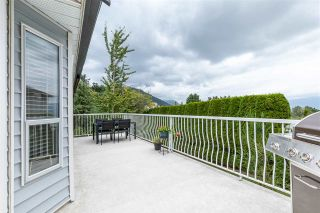 """Photo 12: 2372 MOUNTAIN Drive in Abbotsford: Abbotsford East House for sale in """"MOUNTAIN VILLAGE"""" : MLS®# R2405999"""