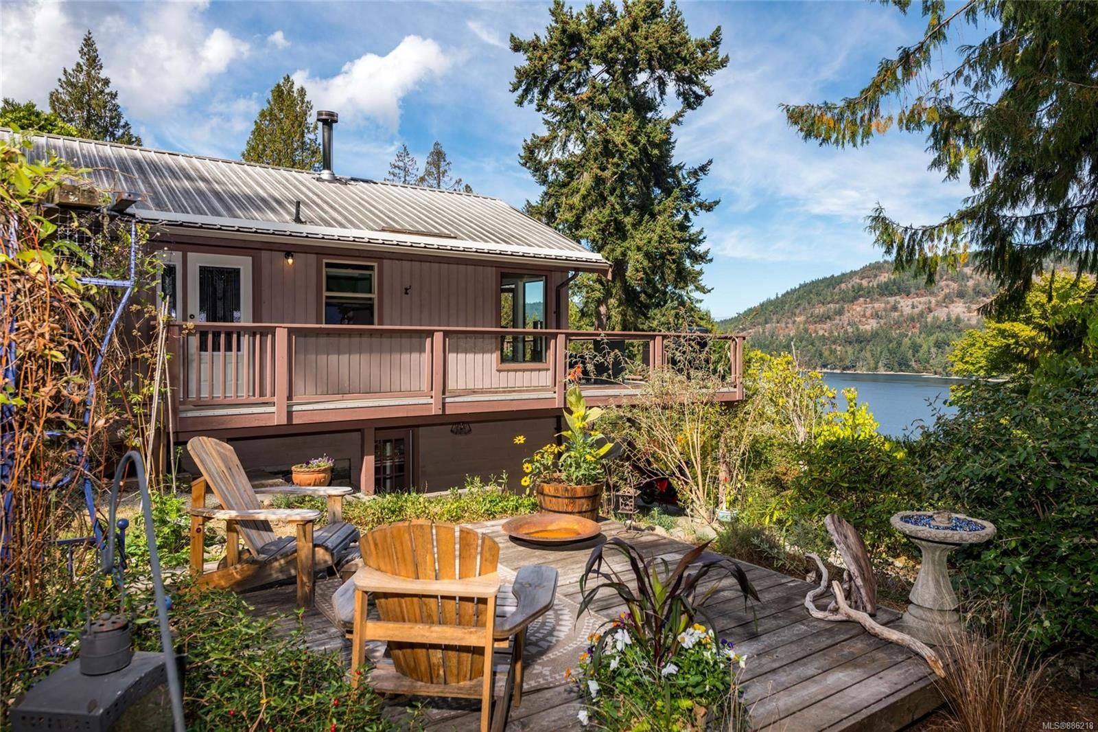 Main Photo: 206 Roland Rd in : GI Salt Spring House for sale (Gulf Islands)  : MLS®# 886218