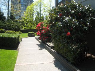 """Photo 9: # 804 9521 CARDSTON CT in Burnaby: Government Road Condo for sale in """"CONCORD PLACE"""" (Burnaby North)  : MLS®# V976808"""