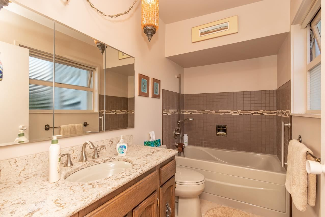Photo 18: Photos: 385 MONTERAY Avenue in North Vancouver: Upper Delbrook House for sale : MLS®# R2582994