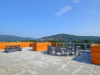 Photo 5: 412 1311 Lakepoint Way in Langford: La Westhills Condo for sale : MLS®# 843028