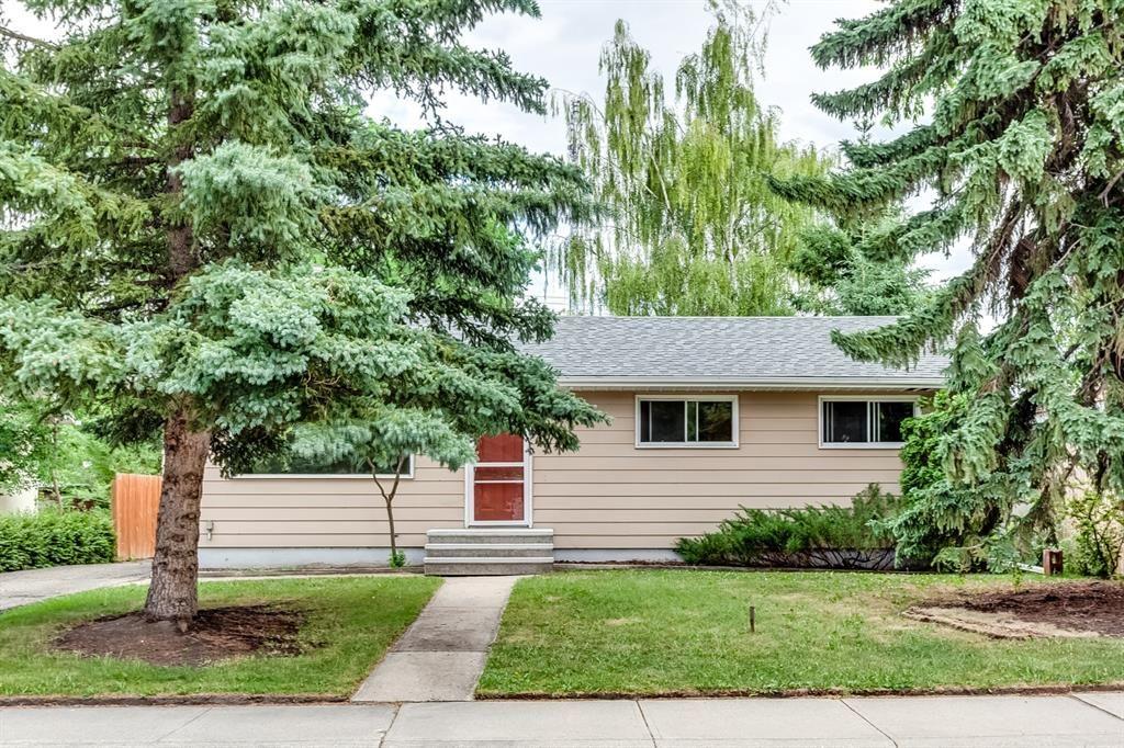 Main Photo: 8228 5 Street SW in Calgary: Kingsland Detached for sale : MLS®# A1124173