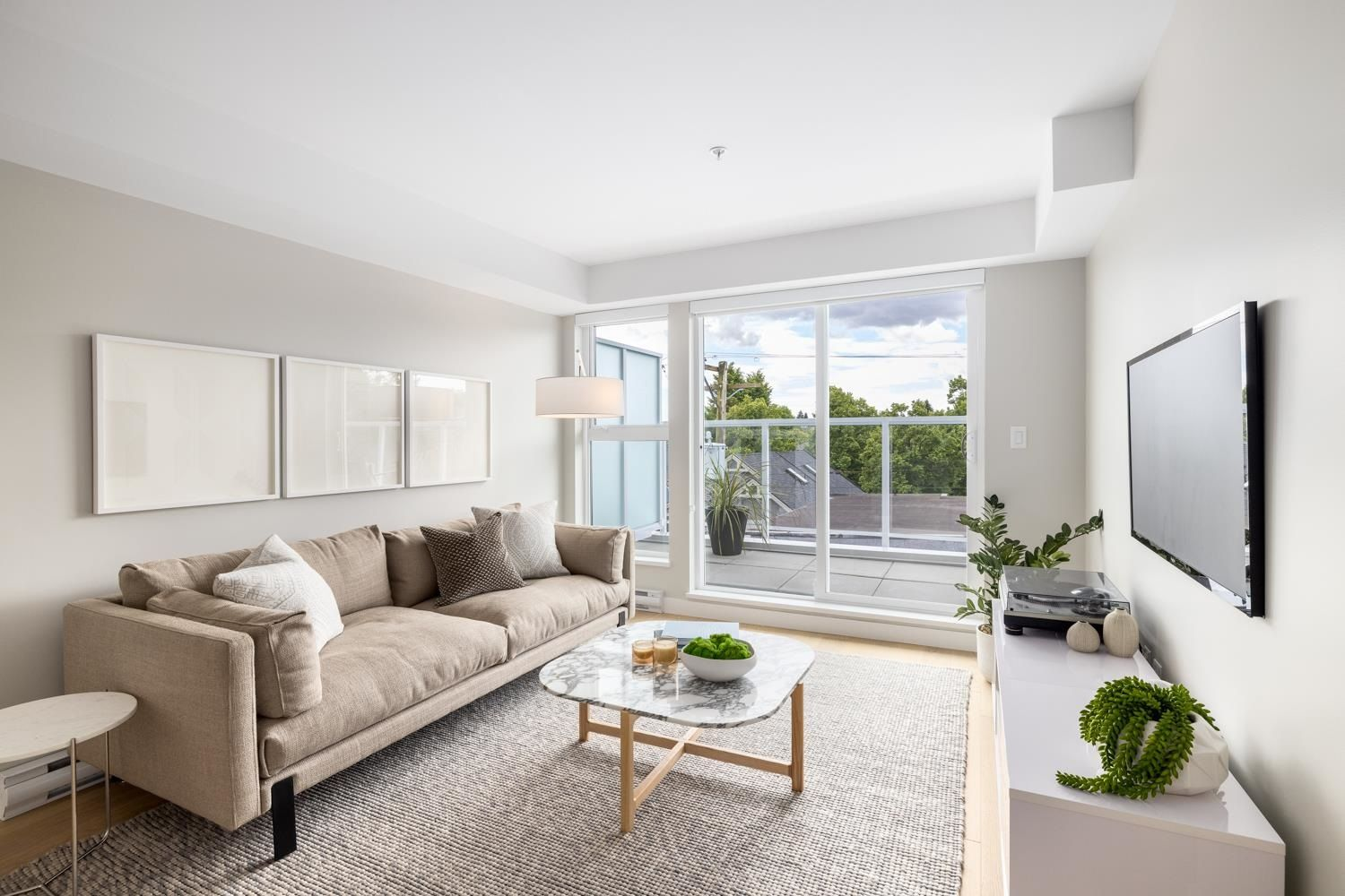 """Main Photo: 408 2508 FRASER Street in Vancouver: Mount Pleasant VE Condo for sale in """"MIDTOWN CENTRAL"""" (Vancouver East)  : MLS®# R2594774"""