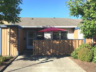 Photo 1: 124 2191 Murrelet Dr in COMOX: CV Comox (Town of) Row/Townhouse for sale (Comox Valley)  : MLS®# 796149