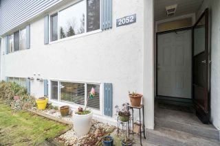 Photo 1: 2052 HIGHVIEW Place in Port Moody: College Park PM Townhouse for sale : MLS®# R2140235