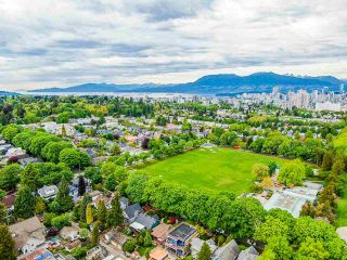 Photo 7: 836 W 22ND AVENUE in Vancouver: Cambie House for sale (Vancouver West)  : MLS®# R2455356