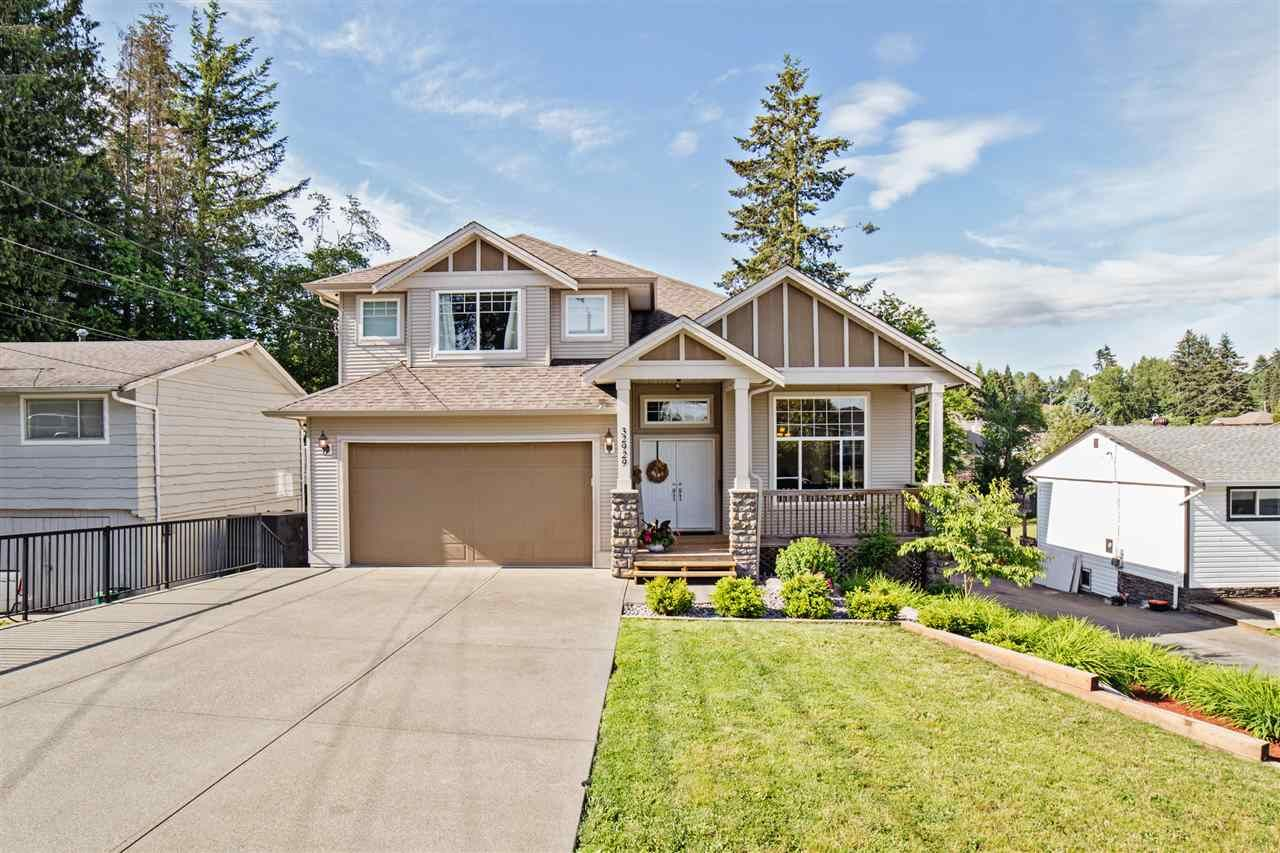 Main Photo: 32929 12TH Avenue in Mission: Mission BC House for sale : MLS®# R2272866