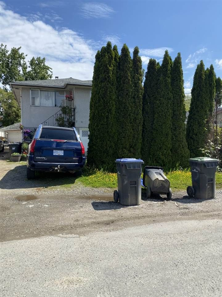 FEATURED LISTING: 321 FENTON Street New Westminster