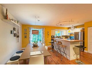 """Photo 9: 1 9900 VALLEY Drive in Squamish: Valleycliffe Townhouse for sale in """"LINCON GARDENS"""" : MLS®# V1141731"""