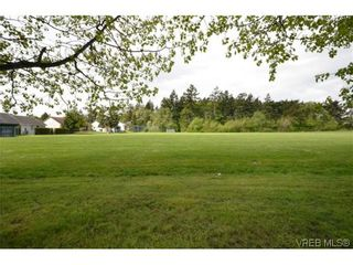 Photo 14: 9606 Epco Dr in SIDNEY: Si Sidney South-West House for sale (Sidney)  : MLS®# 611981
