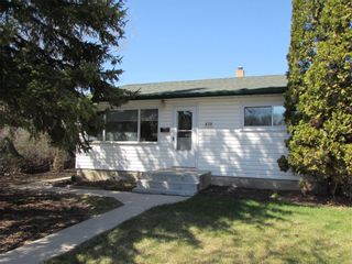 Photo 2: 439 Ralph Avenue in Winnipeg: West Transcona Residential for sale (3L)  : MLS®# 202111158