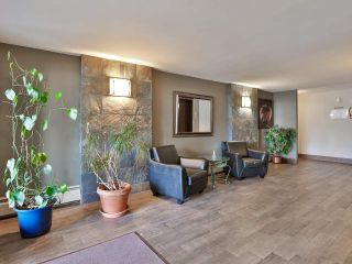 """Main Photo: 305 1554 GEORGE Street: White Rock Condo for sale in """"The Georgian"""" (South Surrey White Rock)  : MLS®# R2530838"""