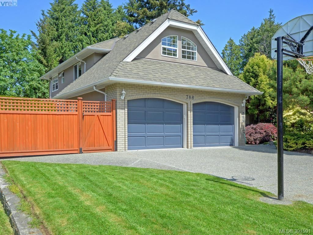 Main Photo: 788 Wesley Crt in VICTORIA: SE Cordova Bay House for sale (Saanich East)  : MLS®# 787085
