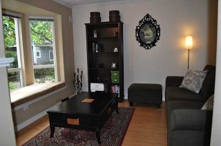 """Photo 2: 106 209 E 6TH Street in North Vancouver: Lower Lonsdale Townhouse for sale in """"Rose Garden Court"""" : MLS®# V909096"""