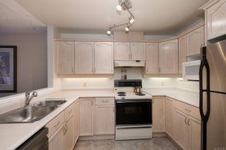 Photo 8: 201 1715 Richmond Ave in : Vi Jubilee Condo for sale (Victoria)  : MLS®# 876798