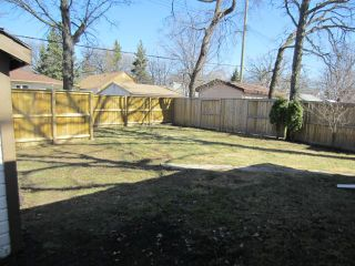 Photo 13: 327 Belvidere Street in WINNIPEG: St James Residential for sale (West Winnipeg)  : MLS®# 1308276