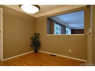 Photo 3:  in VICTORIA: SE Lambrick Park House for sale (Saanich East)  : MLS®# 424788
