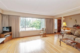 Photo 3: 561 W 65TH Avenue in Vancouver: Marpole House for sale (Vancouver West)  : MLS®# R2516729