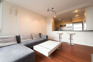 """Photo 3: 509 1018 CAMBIE Street in Vancouver: Yaletown Condo for sale in """"Marina Pointe - Waterworks"""" (Vancouver West)  : MLS®# R2122764"""