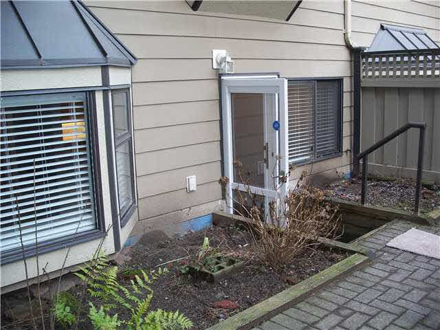 Main Photo: 106 777 EIGHTH STREET in : Uptown NW Condo for sale : MLS®# V864219